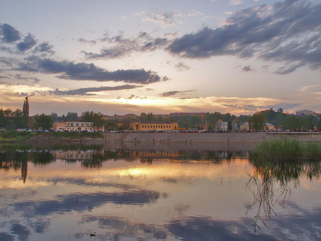 Тихий вечер в Брянске - Владимир Безгрешнов