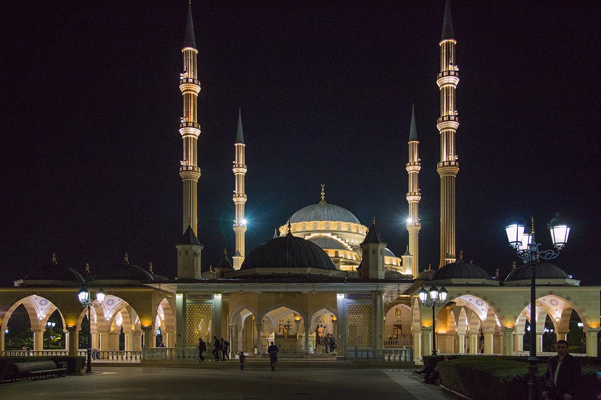 Мечеть «Сердце Чечни». г.Грозный. - Леонид Сергиенко
