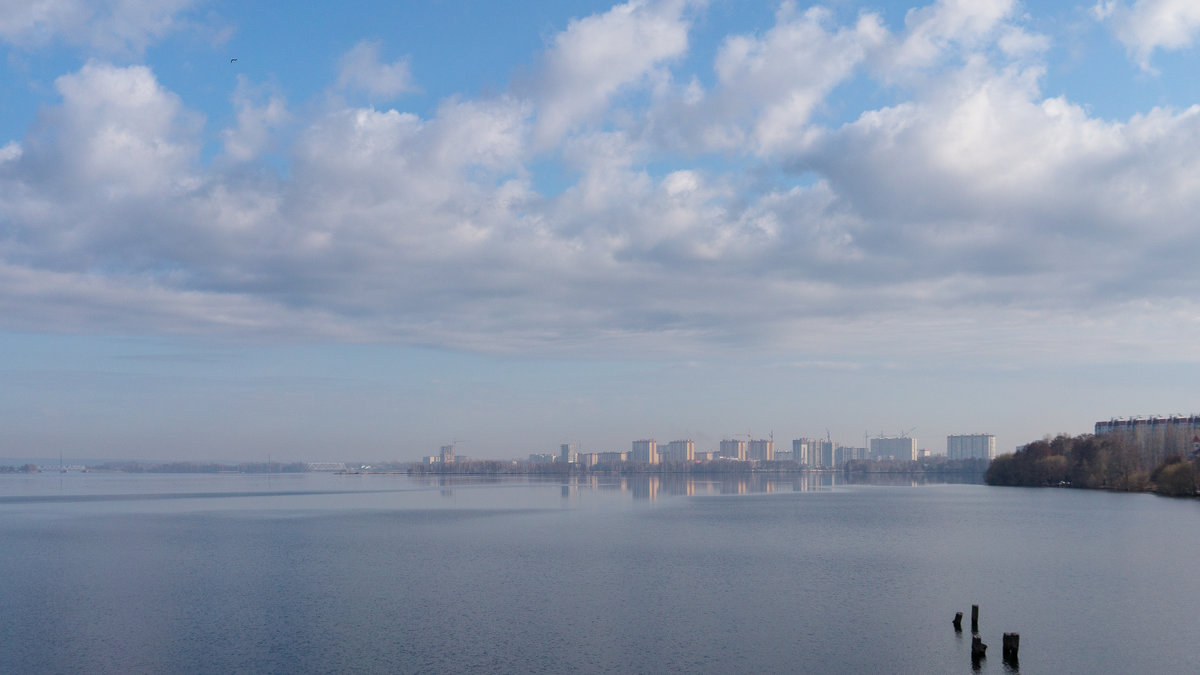 Апрель.Водохранилище - София