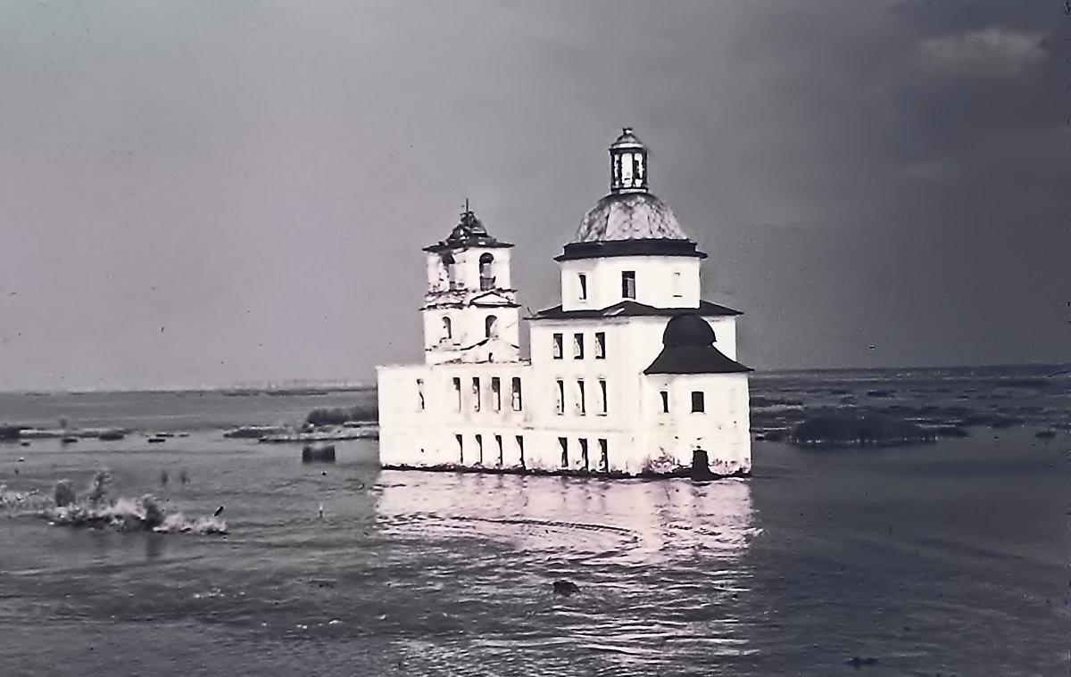 Храм Рождества Христова в Крохино, 1975 год. - Олег Попков