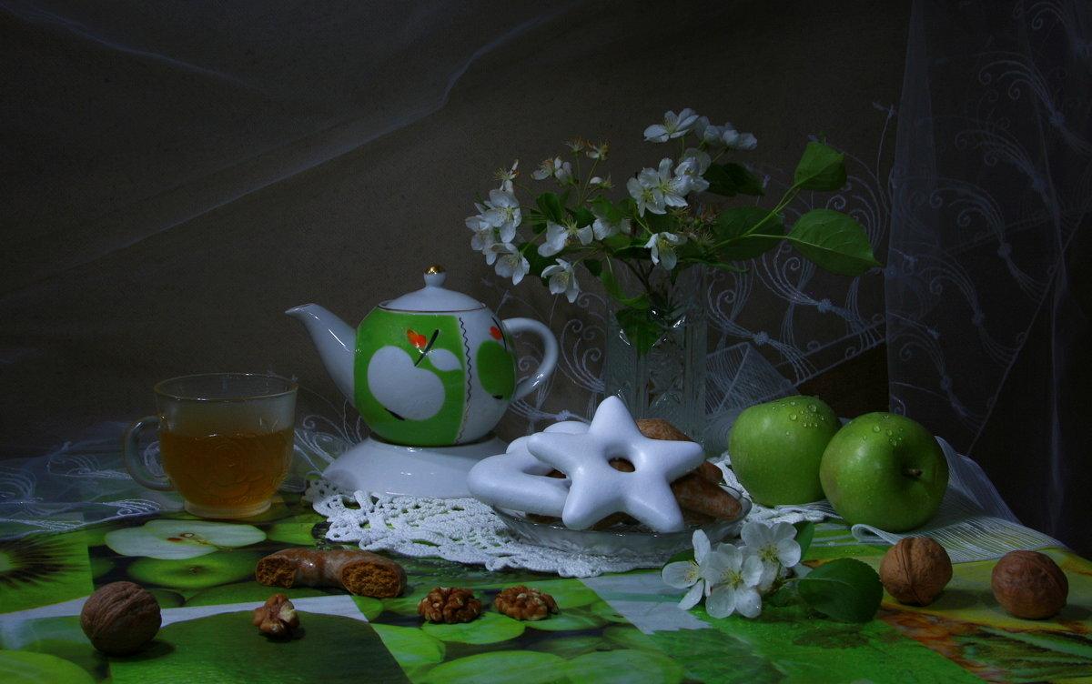Чай с яблоневым цветом - Нэля Лысенко