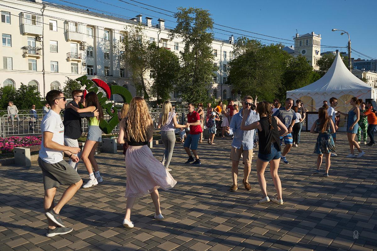 Волгафест-2019, танцуют все! - Олег Манаенков