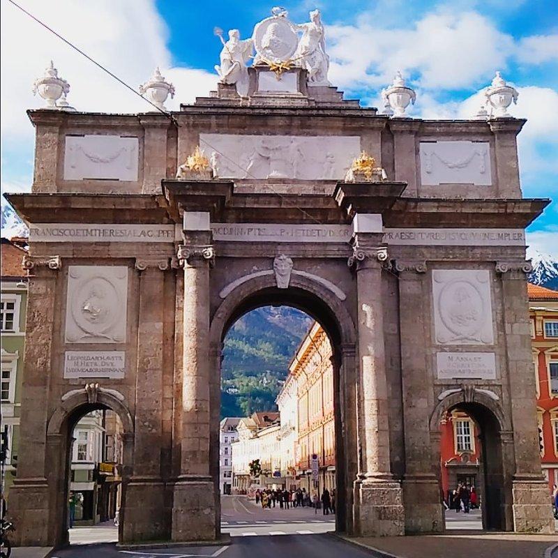 Триумфальная арка  в  Инсбурк - Валерия Металличенко(DEAF)