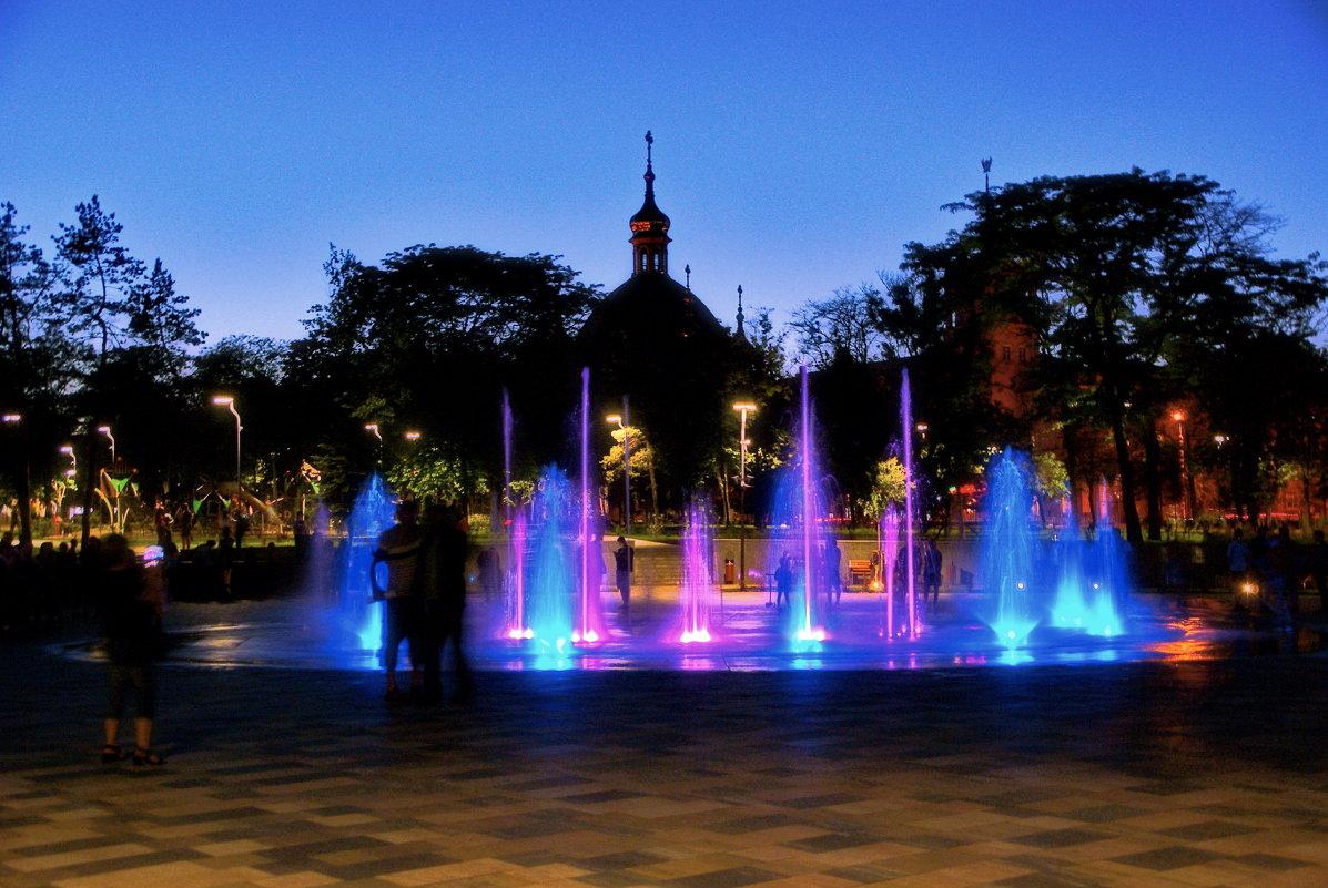 Вечер у фонтана - Андрей K.
