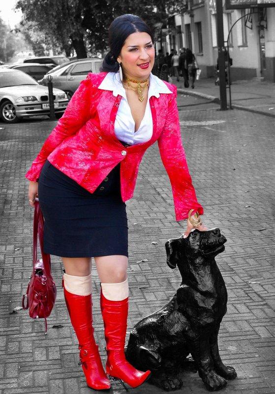 Женщина в красном - Сергей