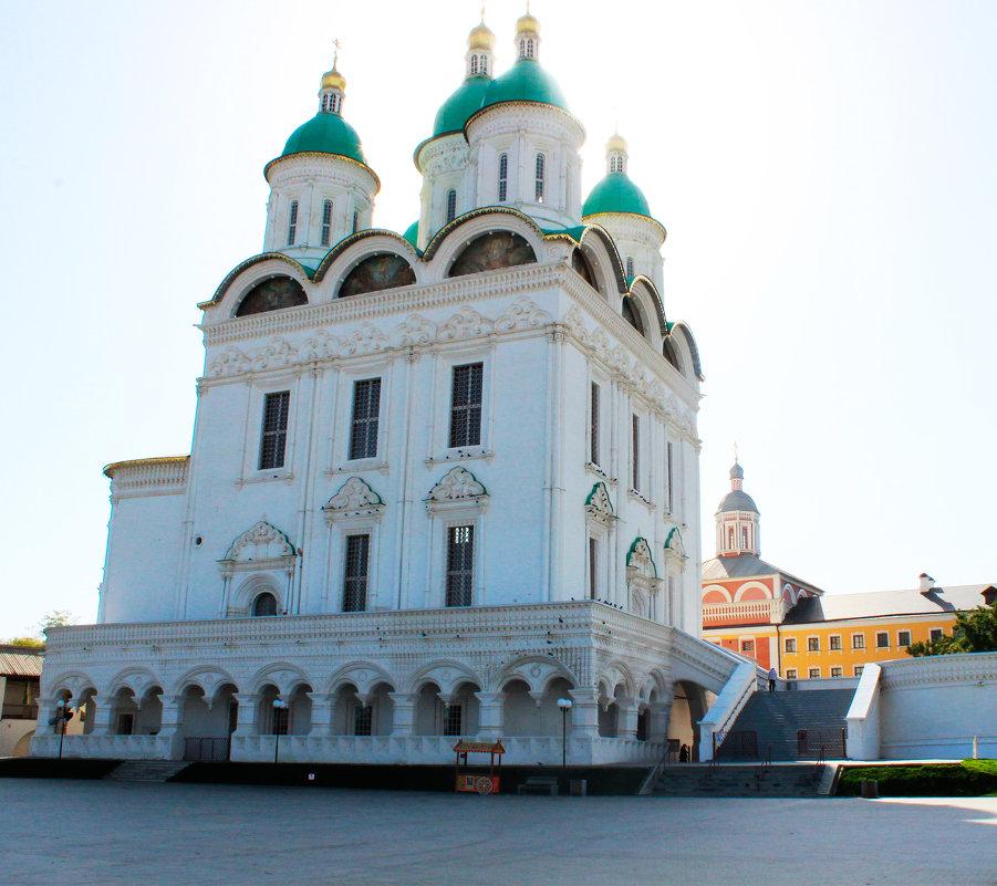 Успенский собор Астраханского кремля - Любовь ***