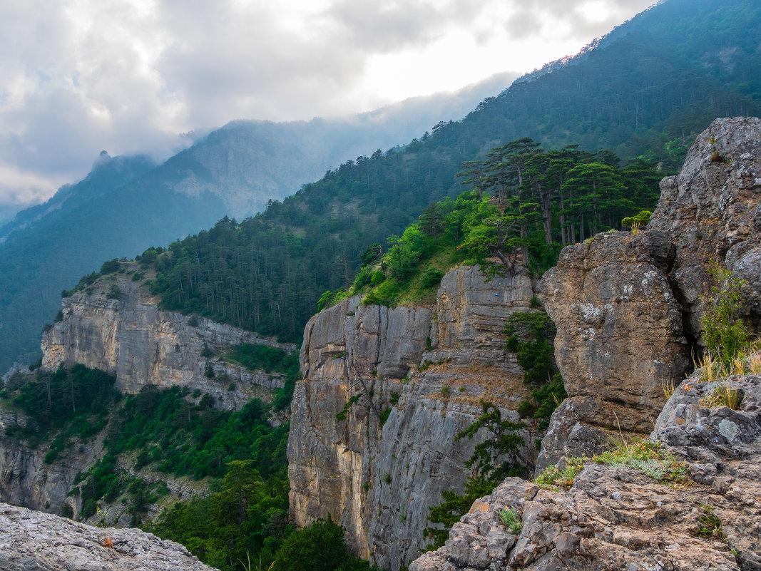 На главной гряде Крымских гор* - Андрей Козлов
