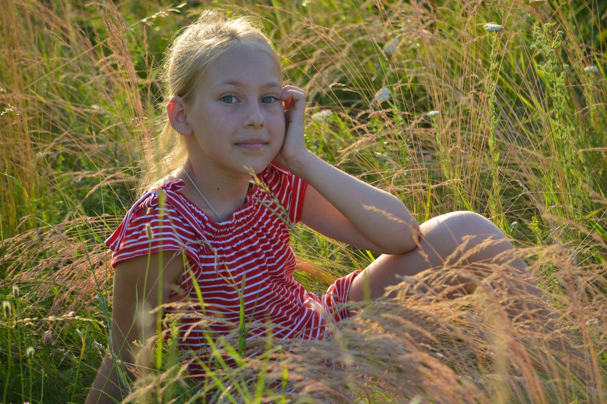 Мечты на мягкой траве - Yelena LUCHitskaya