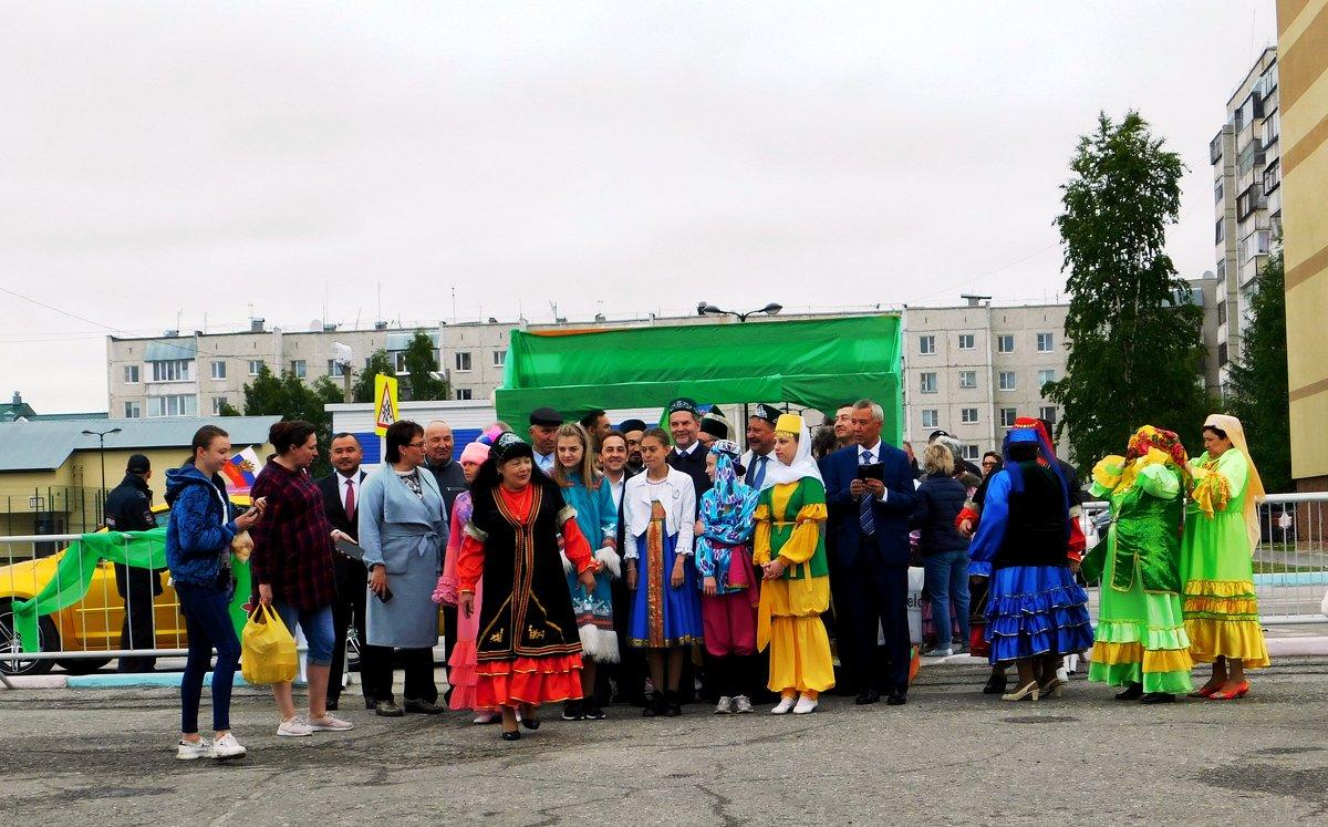 Перед началом шествия - Наталья Пендюк Пендюк