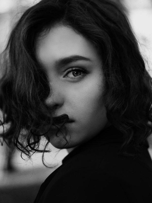 Все начинается со взгляда - Виолетта Костырина