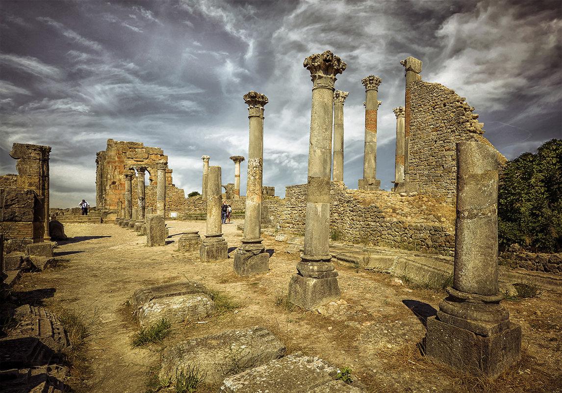 Чем больше город, тем сильнее одиночество... (Волюбилис, Марокко) - Александр Бойко