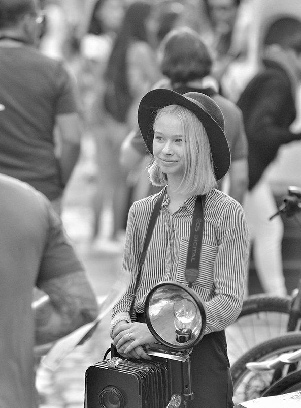 Уличный фотограф - john dow