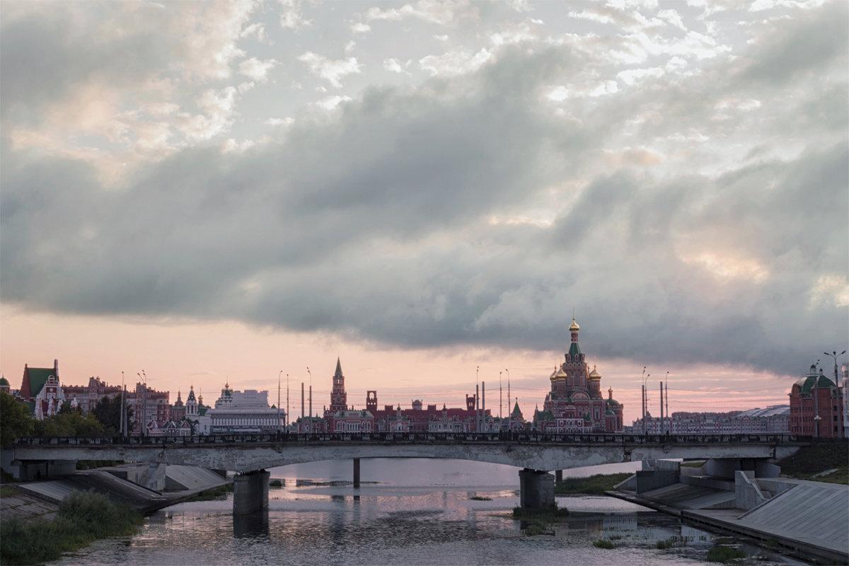 Утро в городе - Алексей Петропавловский