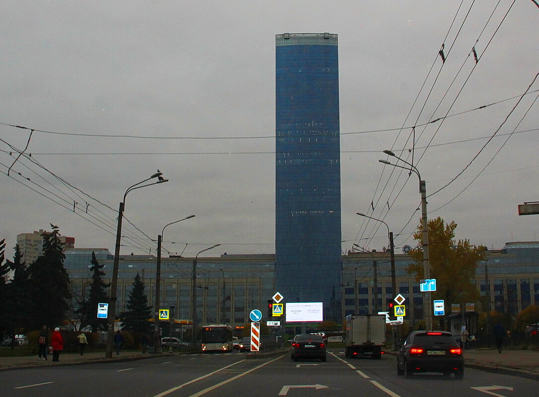 Петербург уже давно описан, а что не описано, то надо видеть самому ... - Tatiana Markova