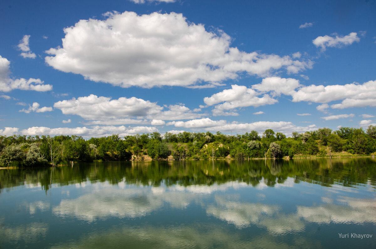 Озеро в Шанхае - Юрий Хайров