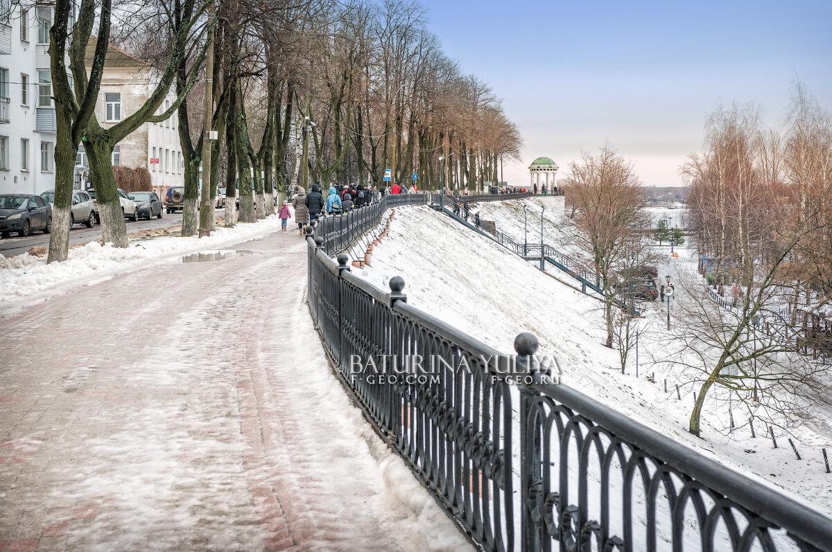 Набережная в Ярославле - Юлия Батурина