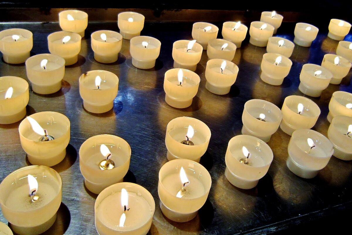 Горящие свечи - символ новых перспектив - Елена (ЛенаРа)
