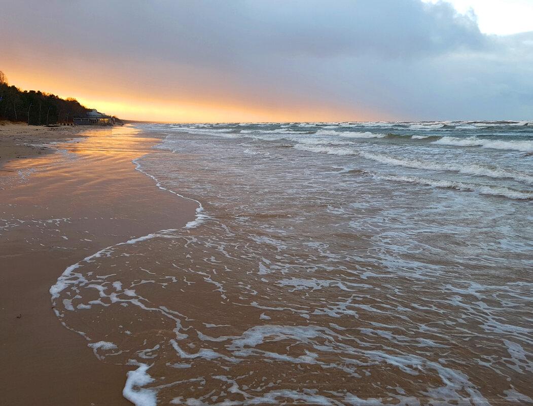 Ветреный вечер на море - Александр Михайлов