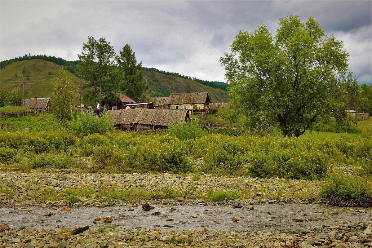 На окраине села - Сергей Чиняев