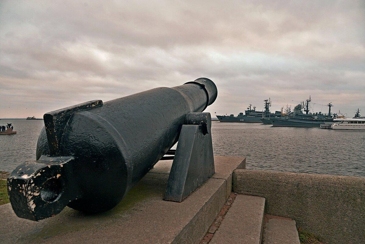 Берег и море на замке - Владимир Куликов