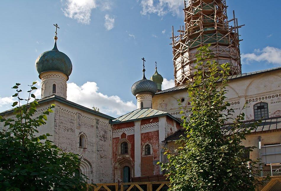 В монастыре. Кириллов. Вологодская область - MILAV V