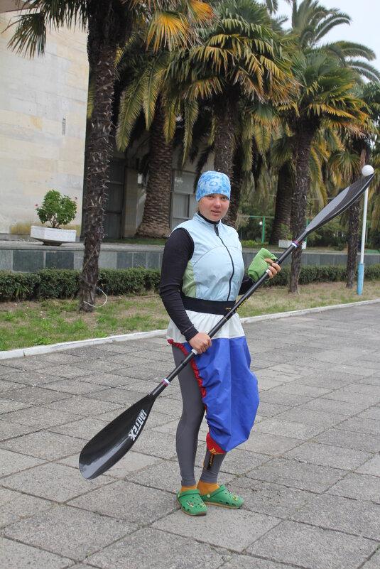 Девушка с веслом - Валерий