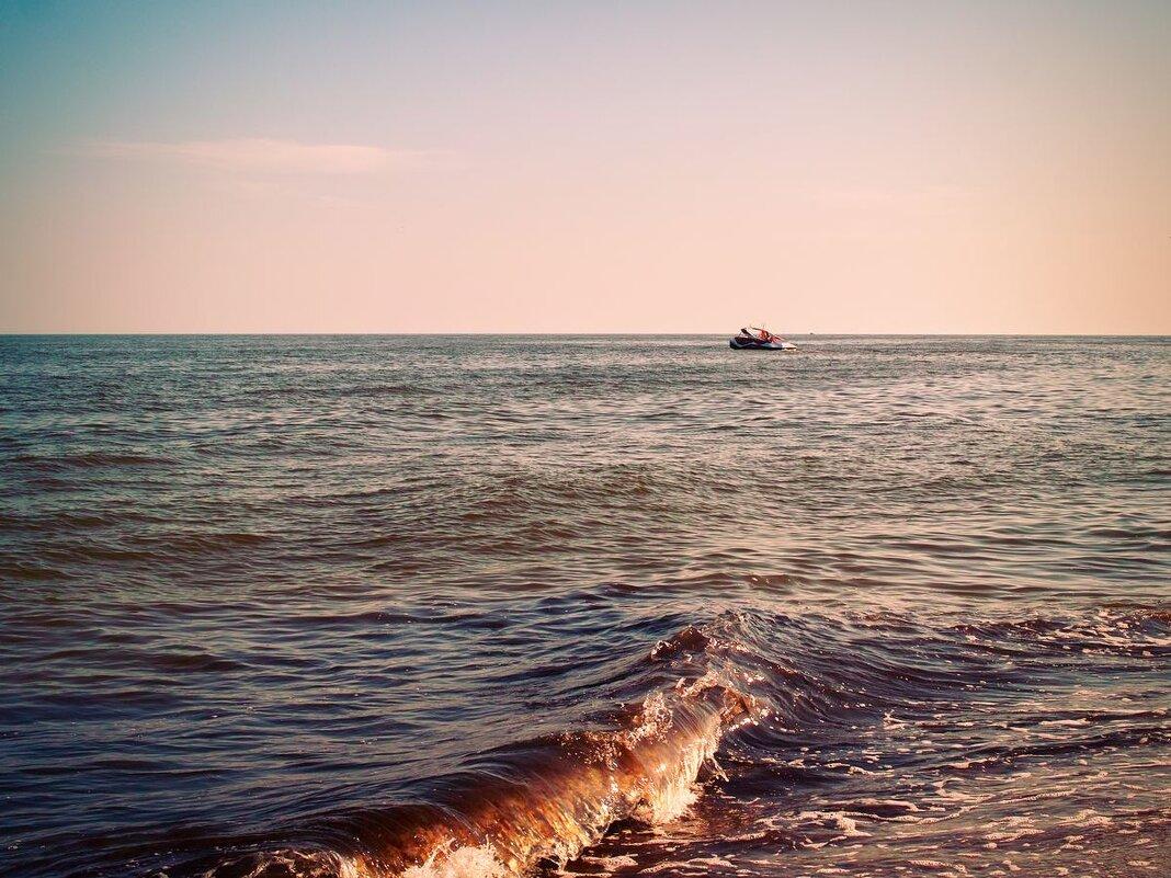 Тихий шепот моря. - Андрий Майковский