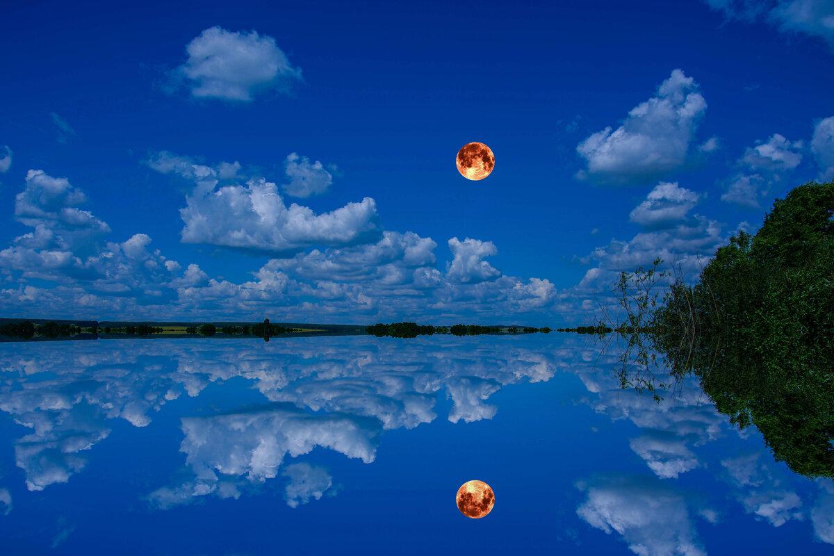 Облака проплывают волнами... им сейчас по пути с луной. - Виктор Малород