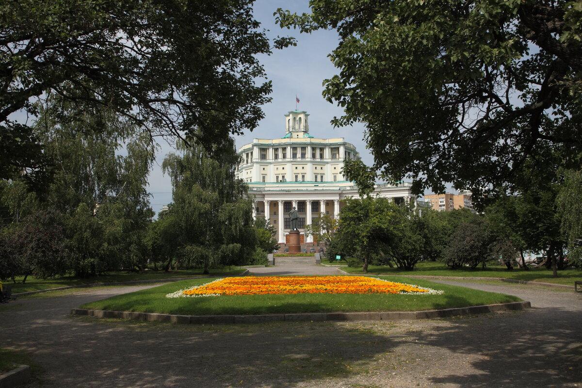 Театр советской армии. - Александр Сергеевич