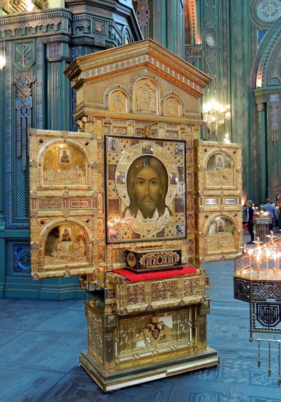 Главная икона храма подарена В.В.Путиным - Александр Качалин