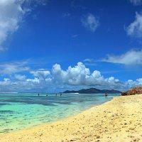 Пляж острова Ла Диг :: Михаил Баевский