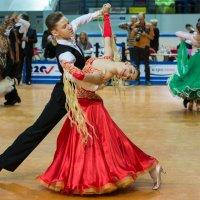 в танце :: Татьяна Исаева-Каштанова