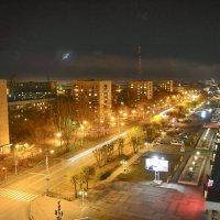 Улица ночного города :: юрий Амосов