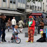 пусть наши дети встретят своих клоунов,дед морозов и просто волшебников :: liudmila drake