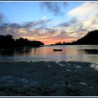 Краски сейшельского заката :: Евгений Печенин