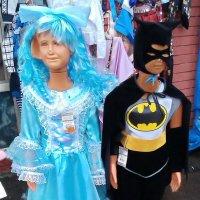 Мальвина и Бэтмен, они, если честно, на редкость уродская пара... :: Юрий Вовк
