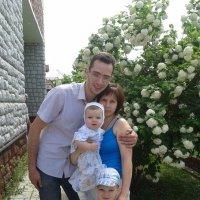 Сестра с семьей :: Владимир Колесников