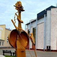 Новая скульптурная композиция в Уральске :: Александр Облещенко
