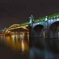 моя столица.ночная москва(пешеходный мост к парку горького) :: юрий макаров