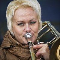 Про уличный тромбон :: Hilt .