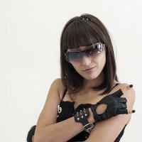 Шипы, очки и рок форева :: Viela ^_^