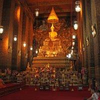 Таиланд. Бангкок. В храме :: Владимир Шибинский