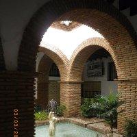 Внутренний дворик испанского дома :: Olga С