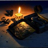 Горя, светя, сгорая в пепел, о вечном думаешь ли ты?.. :: Ирина Данилова