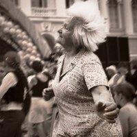 Танцы на улицах / из серии / :: Цветков Виктор Васильевич