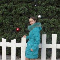 на площади возле главной ёлке города. :: Нина Матросова