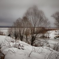 Пустынный берег Волги :: Олег Кашаев