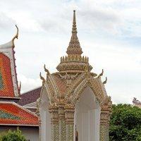 Таиланд. Бангкок. Звонница в монастыре :: Владимир Шибинский