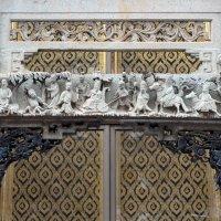 Таиланд. Бангкок. Горельеф в храме :: Владимир Шибинский