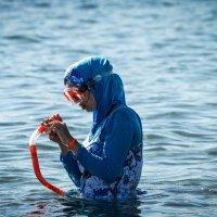 Арабские девушки тоже купаются :: Наталья Елгина